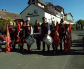 Svatováclavské setkání - bubeníci a vlajkonoši